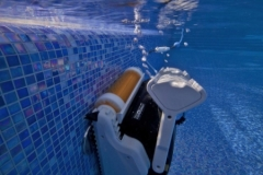Robot per piscine Pulitore Maytronics Dolphin Explorer - Img 5